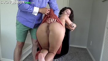Big Titty Dreaded Hottie Finds SugarDaddy To Pay For Travel For Pussy.