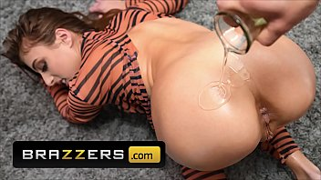 Hot Chick (Gia Derza) Oiled Up And Gets Her Ass Fuck Hard By (Small Hands) - Brazzers