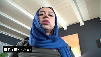 Naughty Arab Sis Sucks Her Stepbrothers Cock To Make Him Keep A Secret From Their Strict Parents