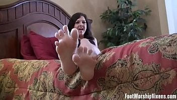 I need my perfect feet worshiped