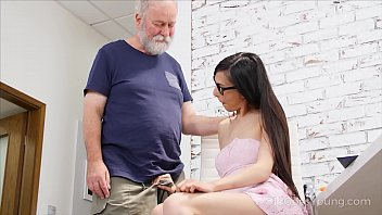 Old Goes Young - Slim babe spices the boring additional lesson