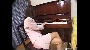 Piano teacher 's bukkake lesson. Every student gets a perfect white sperm on the face of Asako.