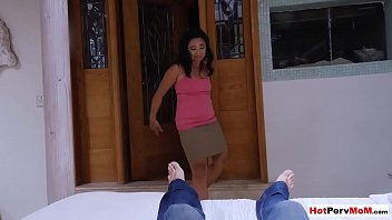 Asian mature stepmom helps me to forget my exgirlfriend 6 min