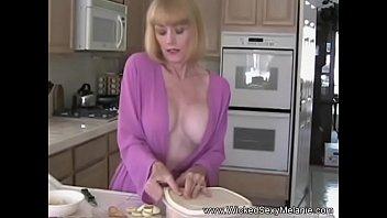 Just sexy grannies - When granny is horny she fucks