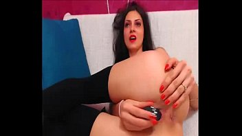 Incredibly hot model makes double penetration