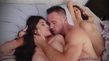 Girl fucks step daddy Family Shares A Bed