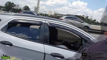 The carioca made an oral in the moving car in the middle of the Marginal Pinheiros - Angel Takemura