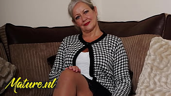 British Mature Lady Shows That She Still Got What It Takes!