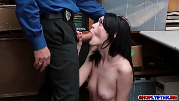 Ivy Aura Makes A Promise With Her Pussy