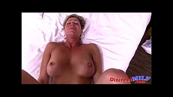 Pov amateur milf fucked at the hotel room
