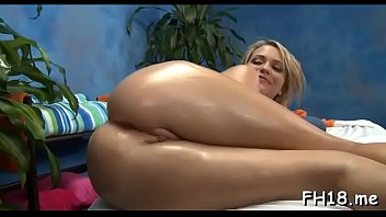 Dissolute girlie Mia Malkova blows and gets fingered