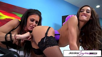 Jessica Jaymes & Chloe Amour fuck each other, big boobs & big booty