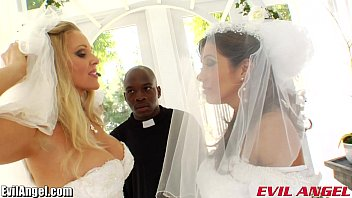 Famous lesbian weddings - Evilangel francesca le interracial ass fucking threesome
