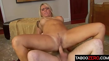 Stepmom has a mission - to seduce her stepson