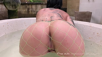 Goth stepsister caught me spying and made me watch her cum in bath
