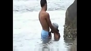 At The Beach Showing Amateur Couple Having Unsimulated Fucking