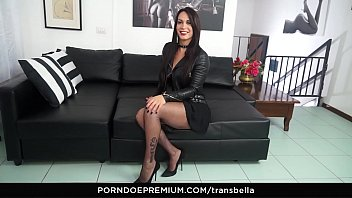 Free tranny threesome videos Trans bella - latina tranny erika lavigne enjoys 2 italian cocks in threesome