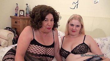Younger blonde plays with older Aunty before boyfriend joins in