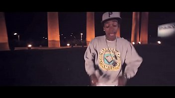 Wiz Khalifa - Black And Yellow [Official Music Video] (1)