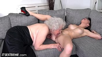 Mature gives lick 21sextreme one last gift before you go