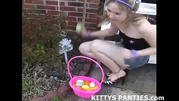 Nubile upskirt Cute kitty flashing her panties while doing a puzzle