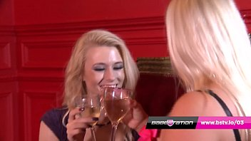 Double trouble with UK lesbians Michelle Thorne & Michelle Moist thumbnail