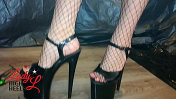Lady L crush drone with extreme high heels(video short version)