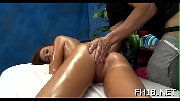 Charming all natural screwed by massage therapist