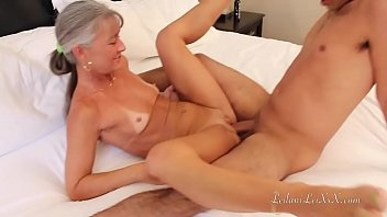 Sexy mature tan legs - Milf meets young man at hotel