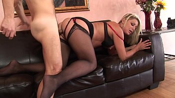 Hunk gets his hard cock swallowed by a blonde then gives her cream pie