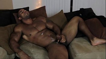Handsome gay man Handsome muscle guy masturbation - biggaydaddy.com/hotguys