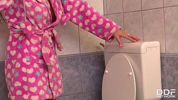Horny brunette Claire gives the repairman the ultimate blowjob on her knees 11 min