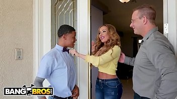 Bangbros - Milf Richelle Ryan Adopts Lil D's Big Black Cock, Invites Him Over For Dinner