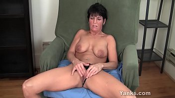 Clitoris piercing video Yanks milf kassandra wild works her clit