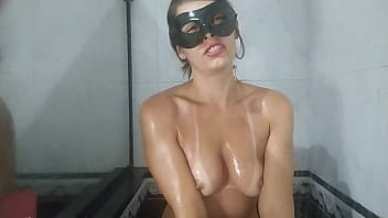 Raquel all naughty shaving her pussy and ass in the bath (Complete in RED)