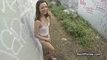 Scarlett gets paid for outdoor fucky sucky
