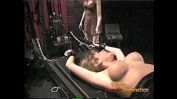 Luscious blonde tart likes having her pussy pleasured in the dungeon