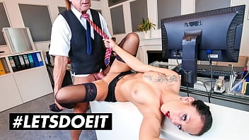 #LETSDOEIT - (Kate Nox & Big George) A TRUE BOSS ALWAYS KNOW HOW TO DEAL WITH HER SECRETARY