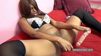 Black hottie Solah LaFlare stuffs her twat with a big dong 6 min