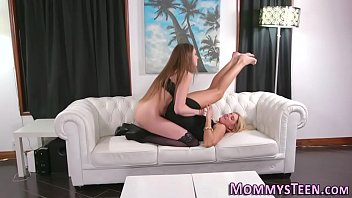 Pretty teen licks stepmom