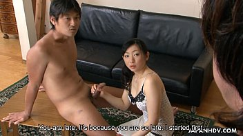 Emiko getting fucked and cummed on in a threesome 71秒