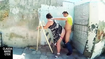 Stop cleaning that dirty old blind and love the seal woman pylon