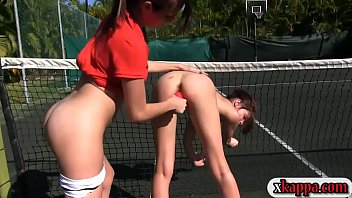 Horny rushes make out in tennis field