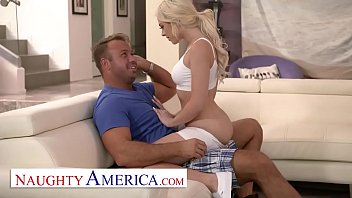 Naughty America - Allie Nicole fucks her new neighbor