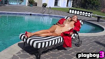 Perfect small tits babe Amanda Booth posed naked after striptease action