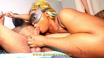 African hoe Mz hardbutt grabbed my balls for a sloppy blowjob