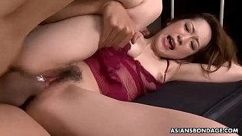 Sweet Aimi Nichijo is getting spit roasted while at work 57秒