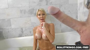 RealityKings - Milf Hunter - Sudsy Slut