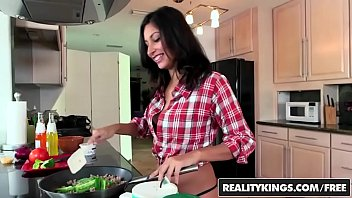 Dirty teen (Jade Jantzen) knows her way around the kitchen and a dick - Reality Kings