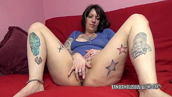 Amateur fotos meyer Tattooed plumper lexxi meyers is playing with her twat
